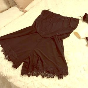 2/$15 Black strapless romper with lace edges
